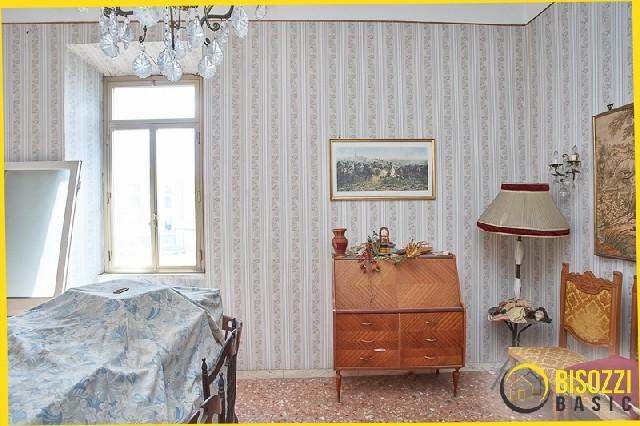 Civitavecchia- Via Francesco Crispi 8