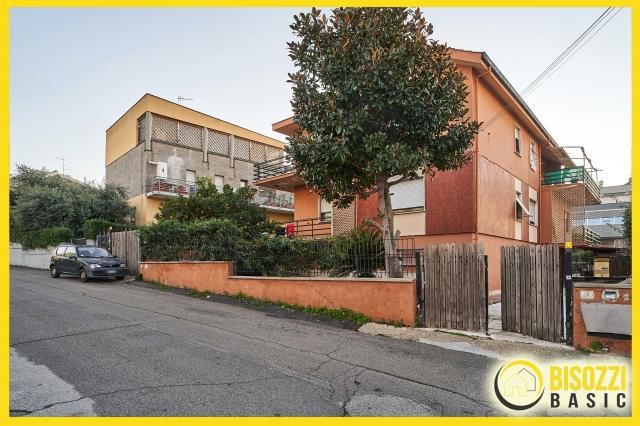 Civitavecchia (RM) - Via delle Azalee 18-20
