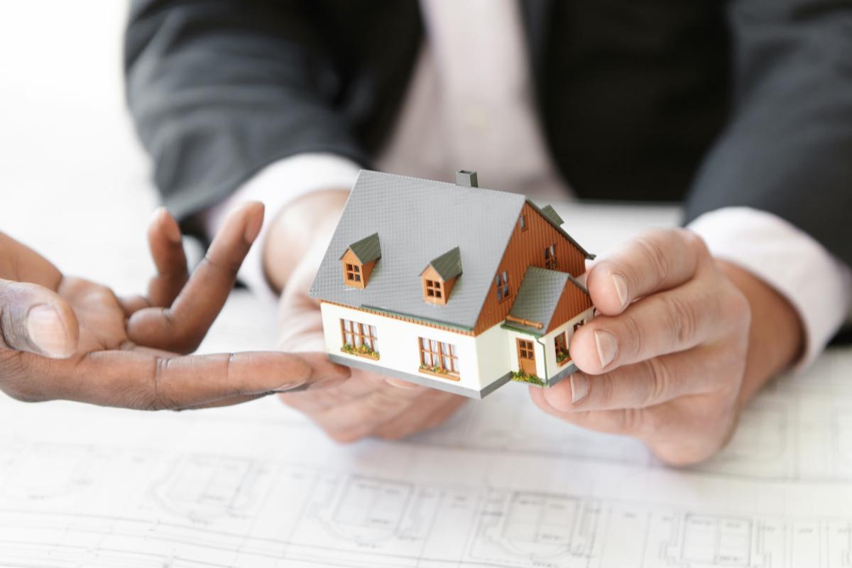 Quanto conviene davvero comprare per ristrutturare?